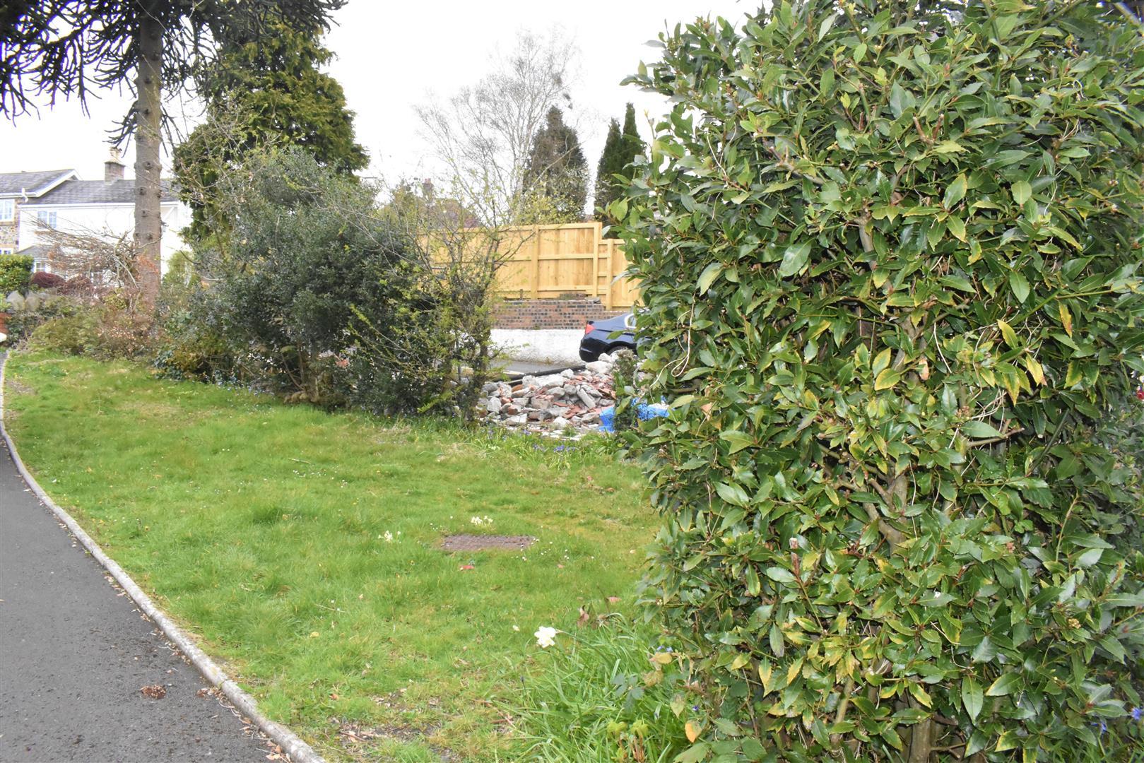 Brynnewydd Gardens, Sketty, Swansea, SA2 8AD